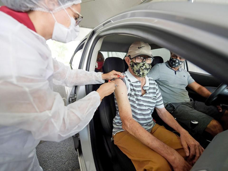 Vacinação idosos Covid
